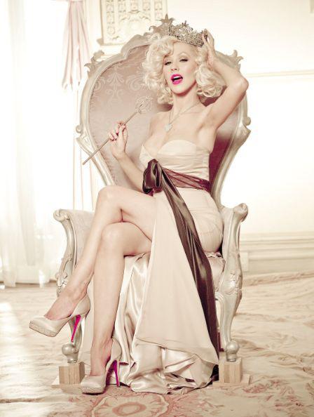 bfe3c494378a72dcf710af0d9f551c7d--christina-aguilera-burlesque-beauty-queens