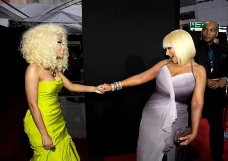 Nicki-Minaj-Christina-Aguilera-caught-up